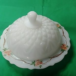 VINTAGE GLASS SERVING DISH W/ DOME LID